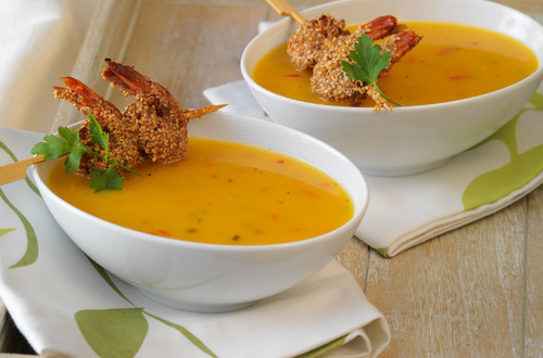 Kürbis-Orangen-Suppe_mit_Sesam-Crevetten