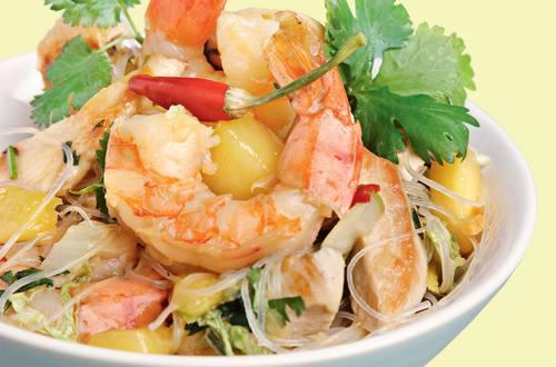 Knorr - Thaipfanne mit Shrimps, Hühnerbrust, Mango und Koriander-Glasnudeln