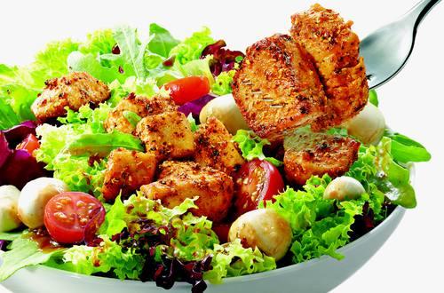 Italienischer Salat mit mediterraner Hähnchenbrust