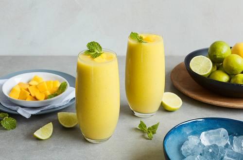 Lipton Juicy Mango Matcha Smoothie