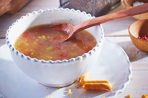 Sopa de Apio y Tomate