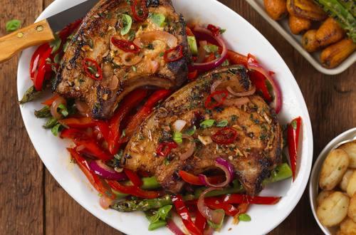 Svinekotelletter med sød chili