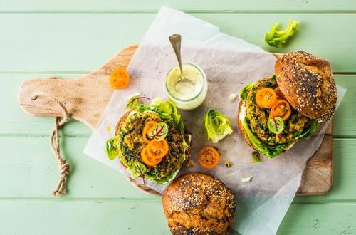 Burger vegetale di quinoa e ceci
