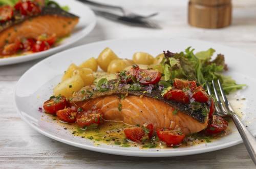 salmon fillet with vinaigrette