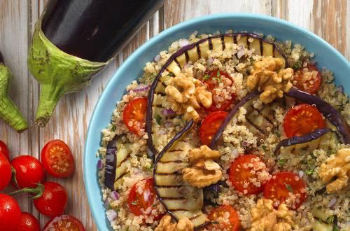 Quinoa mit gegrillter Aubergine