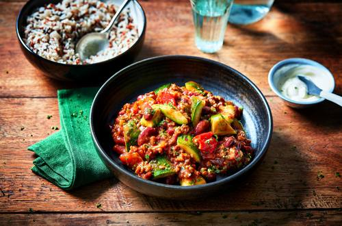 Vega chili con carne met gegrilde courgette en paprika