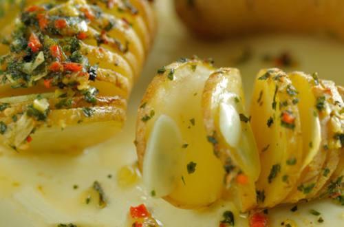«Гармошка» из запеченного картофеля