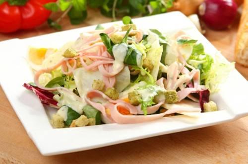Яичный салат с ветчиной