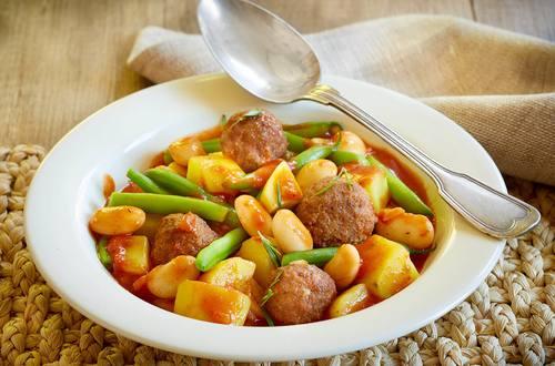 Knorr_Bohnen-Kartoffel-Topf mit Lammbaellchen_h.jpg
