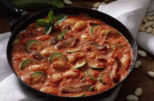 Knorr - Lamm-Zucchini-Pfanne mit Riesenbohnen