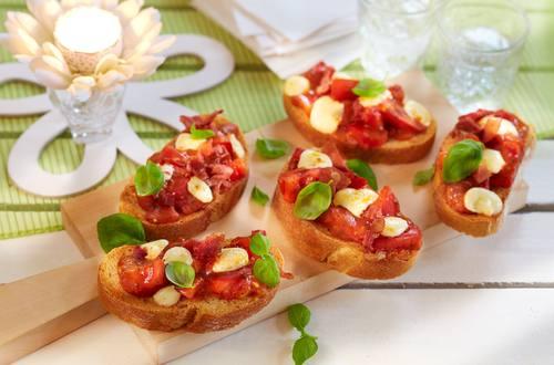 Tomaten Crostini