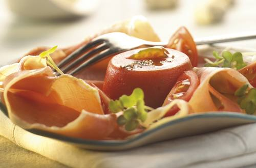 Tourelles de tomates à la cannelle et au jambon