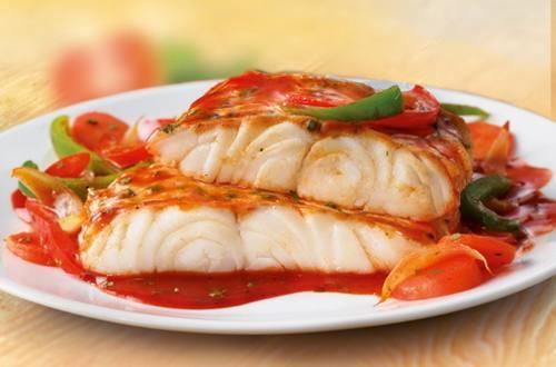 Нежная рыба в томатном соусе по-провански