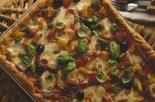 Knorr - Ratatouille-Pizza mit Basilikum