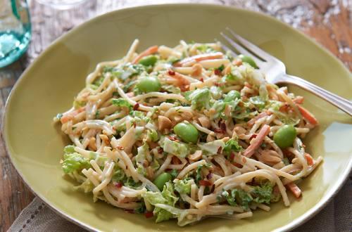 Salade de pâtes à l'asiatique