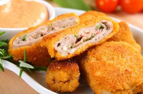 Свиная корейка с сыром бри