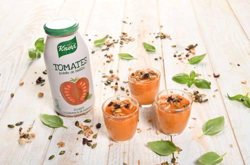 Verrine à la Tomate et Topping de Céréales grillées