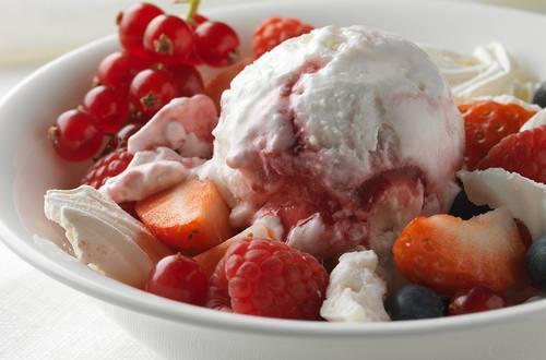 Berry Meringue Mess