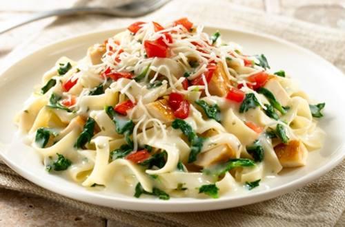 Creamy Chicken Pasta Florentine