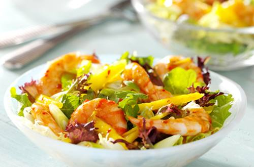 chilli prawns with mango salad