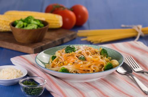 Fettuccini Broccoli Saus Jagung