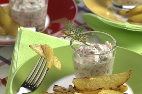 Country_Fries_mit_Peperoni-Lachs-Dip