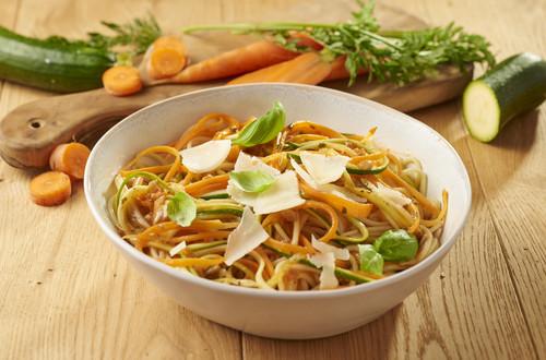 Karotten-Zucchini Spaghetti