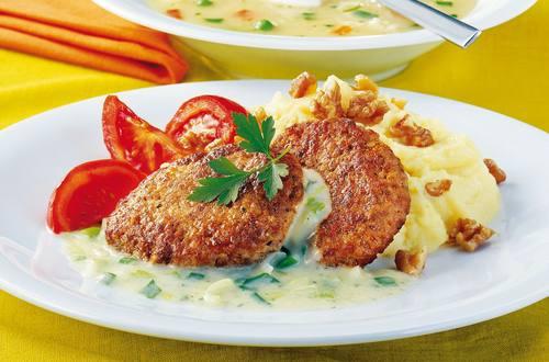 Knorr - Faschierte Laibchen mit Zwiebelsauce