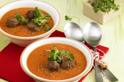Knorr - Scharfe Tomatensuppe mit Hackbällchen