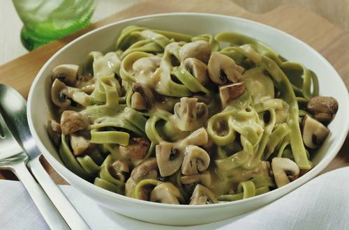 Knorr - Grüne Tagliatelle mit Gorgonzola-Pilzrahm