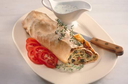 Knorr - Gemüsestrudel mit Huhn und Reis
