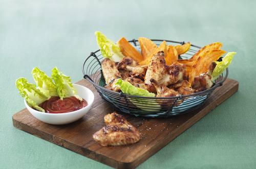 Ailes de poulet épicées et patates douces grillées