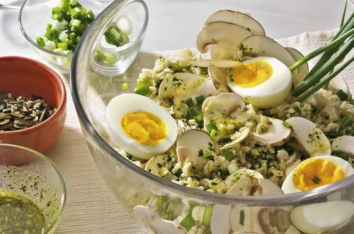 Knorr - Reissalat mit Eiern und Champignons