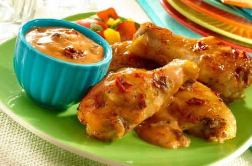 Alitas De Pollo Con Salsa Cremosa De Guayaba Y Chipotle