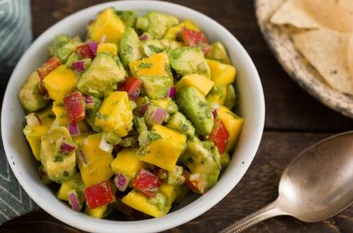 Ensalada de aguacate y mango