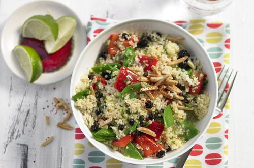 Couscous-Salat mit Zimtmandeln und Korinthen