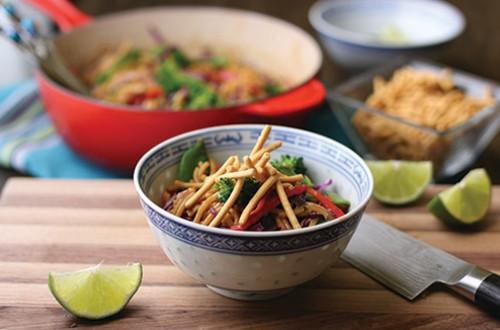 Salade Croquante de Nouilles Thaï
