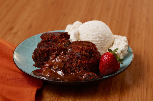 Slow Cooker Molten Peanut Butter Chocolate Cake