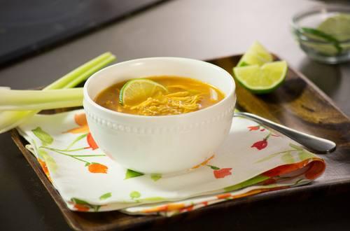 Sopa de Municiones con Pollo y Lima