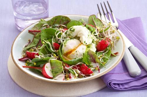Knorr - Salat mit pochierten Eiern