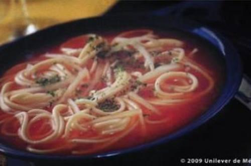 Caldo de espagueti