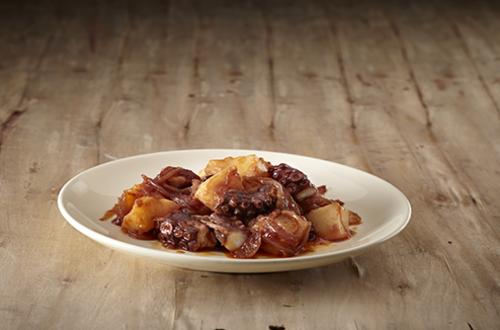 Χταπόδι κοκκινιστό γιαχνί με πατάτες