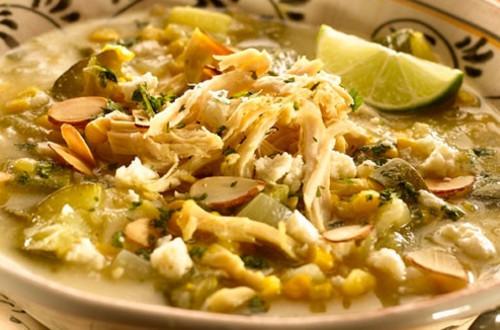 Sopa Azteca De Pollo Con Elote