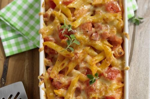 Nudel-Schinken-Gratin in Tomatensahne