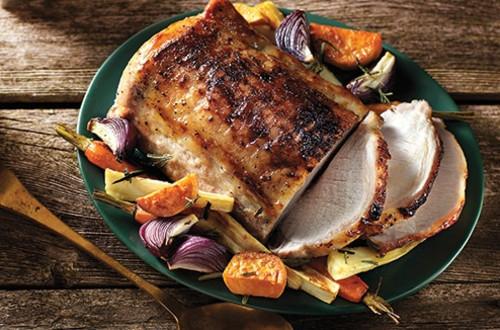 Porc Glacé À L'érable Et Légumes Racines Rôtis