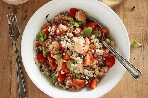 Knorr - Graupen mit Shrimps und Tomatensalat
