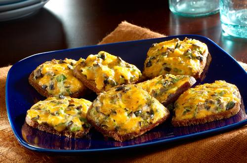 Red Flag Cheese & Rye Bread Appetizers