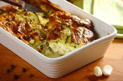 Knorr - Zucchiniauflauf mit Penne und Schafkäse