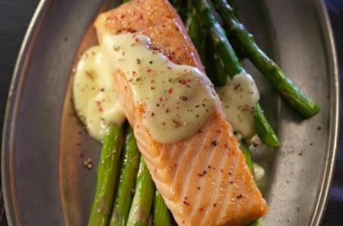 Roasted Salmon & Asparagus with Hollandaise Sauce