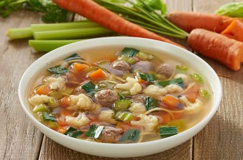 Knorr - Gemüsesuppe mit Fleischklößchen